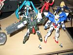 Cherudim Gundam and 00 Gundam 1